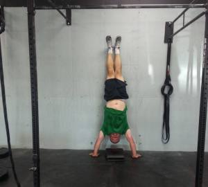 me-handstand-at-box